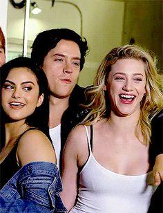 Riverdale season 2, Kj Apa, Camila Mendes , Cole Sprouse e Lili Reinhart