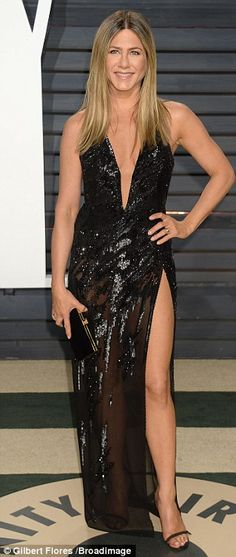 Jennifer Aniston leads glamour at Vanity Fair Oscars bash | Daily Mail Online