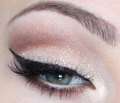 nude glitter with cat eye