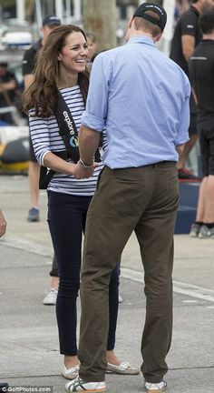 The Duke and Duchess of Cambridge at a yacht race in Auckland, New Zealand, April 2014 Love Kate Middleton. William Kate, Prince William And Catherine, Princesse Kate Middleton, Kate Middleton Prince William, Kate Middleton Pictures, Kate Middleton Style, Duchess Kate, Duke And Duchess, Principe William Y Kate