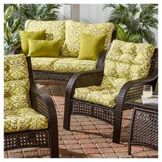 Best Outdoor Wicker Patio Furniture for your Home! We love Wicker Furniture for a patio because it is beautiful, durable, and luxurious. You can quickly upgrade a coastal patio with a wicker furniture set or wicker dining set. Wicker Patio Furniture Sets, Wicker Dining Set, Outdoor Chair Cushions, Coastal Furniture, Patio Chairs, Coastal Decor, Outdoor Chairs, Coastal Entryway, Coastal Rugs