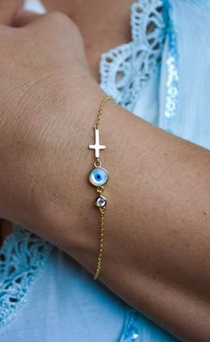 * sterling silver 925 stamped, gold plated * dainty evil eye bracelet, perfect for layering * length GOLD inches plus one more inch for extension SILVER inches plus half an inch for extension Long Sleeve Maternity Dress, Maternity Dresses For Photoshoot, Maternity Gowns, Pregnant Party Dress, Turkish Lessons, Shower Dresses, Holiday Pictures, Evil Eye Bracelet, Handmade Items