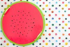 Faça uma bandeja de melancia que será perfeita para qualquer churrasco de fim de semana.