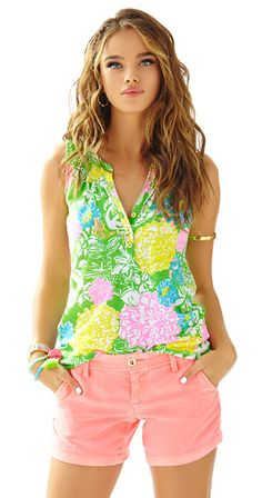 903807120739 Lilly Pulitzer Sleeveless Essie Top - Hibiscus Stroll