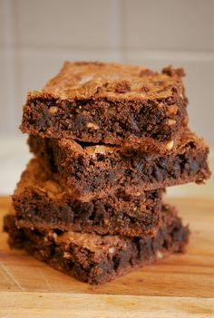 Healthy red bean brownie - how I changed my life - Fanchon Bourcq Red Bean Dessert, Healthy Desserts, Healthy Recipes, Healthy Brownies, Healthy Food, Compote Recipe, Bean Brownies, Bowl Cake, Vegan Baking