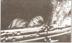 Actual Death   death car exhibit bonnie clyde death car 31900 s las