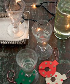Marcadores de taças feitos com papel e capricho
