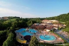 Heiltherme Bad Waltersdorf www.at Holiday Service, Spa, Heart Of Europe, Hot Springs, Austria, Skiing, Places To Go, Mansions, House Styles