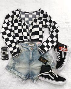 ᴘɪɴᴛᴇʀᴇsᴛ ❂ ᴄʜᴀʀᴍsᴘᴇᴀᴋғʀᴇᴀᴋ Cute Lazy Outfits, Teenage Girl Outfits, Girls Fashion Clothes, Teen Fashion Outfits, Teenager Outfits, Edgy Outfits, Retro Outfits, Outfits For Teens, Preteen Fashion