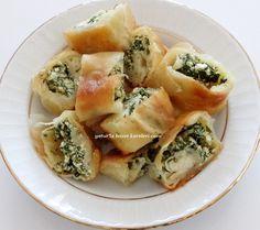 börek tarifim çok güzel oluyor.bire bir çarşı böreği lezzetinde ve kıvamında mutlaka tavsiye ediyorum...aynı hamurla ve açma tekniği...
