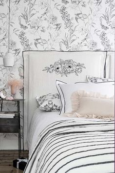 Wall Wallpaper, Marie Claire, Sweet Dreams, Chairs, Tapestry, Furniture, Home Decor, Environment, Linen Headboard