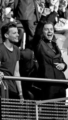 Larry Stylinson, Four One Direction, One Direction Pictures, Louis And Harry, Louis Tomlinsom, Harry Styls, Up Carl Y Ellie, Foto One, 1d And 5sos