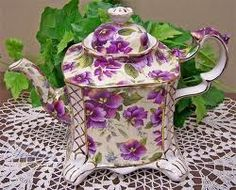Inlove with this purple masterpiece. My grandmother would so love this. She loved lavender tea Vintage China, Vintage Tea, Tea Cup Saucer, Tea Cups, Sweet Violets, Tea Pot Set, Pot Sets, Cuppa Tea, Teapots And Cups