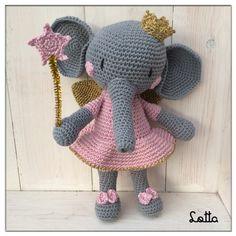 Galna i Garn Tweety, Crochet Patterns, Crochet Hats, Character, Animals, Amigurumi Doll, Baby Dolls, Baby Elephants, Elephant Baby