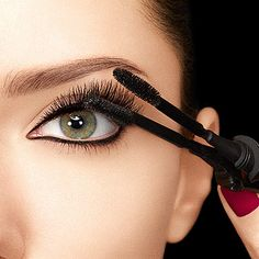 Clamping Your Lashes: Sephora's Revolutionary New Upside Down Mascara    ---  from InventorSpot.com