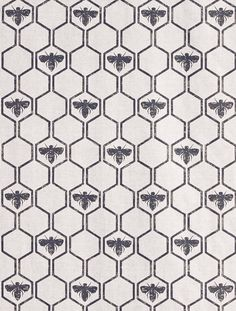 This geometric honeycomb pattern interspersed with bees feels very organic. It is a great pattern, printed in a deep charcoal, light gold, and soft pink. This great pattern in printed on un-dyed 53% l