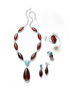 Cherry amber accompanied by turquoise. What a match!