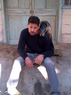 How adorable :) Joe Manganiello and a seal