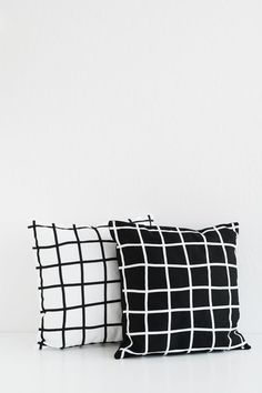 Oleander and Palm: DIY Grid Patterned Pillows