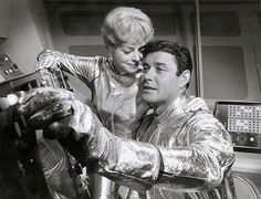 Lost in space Space Tv Series, Space Tv Shows, Danger Will Robinson, Space Hero, Robinson Family, Future Love, Lost In Space, Old Tv Shows, Anos 60