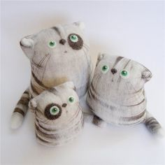 Felted cats... the only cats i will like!  ahahha