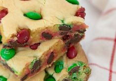 Reese's Peanut Butter Cupcakes Recipe! Fudge Recipes, Tea Recipes, Candy Recipes, Crockpot Recipes, Holiday Recipes, Christmas Fudge, Christmas Desserts, Christmas Tree, Christmas Foods