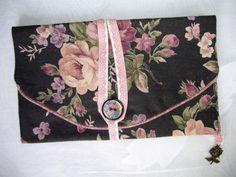 Protège livre de poche en tissu noir et rose : Carnets, agendas par aujardindemarie