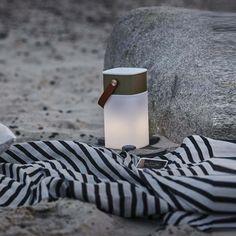 Lampe haut parleur sans fil d exterieur aglow led blanc or h19cm kreafunk normal