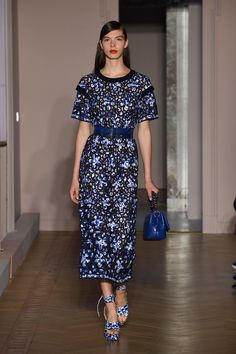 See the complete Agnona Spring 2017 Ready-to-Wear collection.