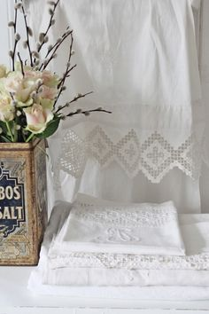 Best Bed Linen Ever – Best bed linens for your home Silver Bedding, Linen Bedding, Lace Curtains, White Curtains, Holly Willoughby Bedding, Vibeke Design, Linen Cupboard, Decor Scandinavian, Zen