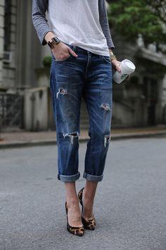 Weekend look in distressed jeans, baseball shirt, leopard pumps & Hermes cuff Looks Chic, Looks Style, Casual Looks, Style Me, Chill Style, Casual Dressy, Casual Heels, Jeans Boyfriend, Denim Fashion