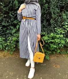 How to wear striped chemises with hijab – Just Trendy Girls Hijab Casual, Hijab Chic, Casual Outfits, Fashion Outfits, Hijab Style Dress, Hijab Outfit, Modern Hijab Fashion, Muslim Fashion, Hijab Trends