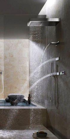 Com um banheiro desse um banho quente pra espantar o frio leva uma hora né? Mas…