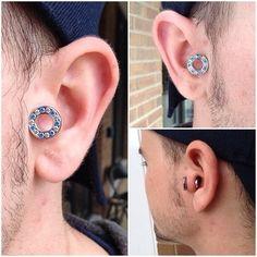 ear stretcher