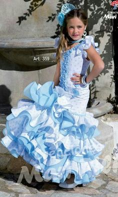 Blanco y azul Spanish Costume, Spanish Dress, Flamenco Costume, Flamenco Skirt, Little Girl Dresses, Girls Dresses, Flower Girl Dresses, Fair Outfits, Cute Outfits
