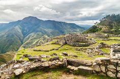 mayan peru – Google Suche Traditional Tales, Inca Empire, Bolivia Travel, Need A Vacation, Ancient Ruins, South America Travel, Machu Picchu, So Little Time, Places To See