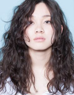 18 Stylish Perm Hair Looks to Rock in 2020 - The Trend Spotter 2020 asian 18 Stylish Perm Hair Looks to Rock in 2020 Asian Hair Perm, Curly Asian Hair, Black Hair Perm, Straight Hair Perm, Wavy Hair Perm, Curly Hair With Bangs, Long Asian Hair, Permed Hairstyles, Headband Hairstyles
