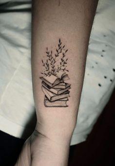 line tattoo geometric Classy Tattoos For Women, Delicate Tattoos For Women, Tattoos For Women Small, Small Tattoos, Small Simple Tattoos, Feminine Back Tattoos, Animal Tattoos For Women, Cute Tattoos, Beautiful Tattoos