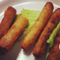 i would kill for lumpia right now My Favorite Food, Favorite Recipes, Appetizer Recipes, Appetizers, Adobo Seasoning, Thinking Day, Filipino Food, Egg Rolls, Party