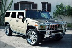 Big car to go with a big career Hummer H2, Hummer Cars, My Dream Car, Dream Cars, 2019 Ford Explorer, Suv Comparison, Ford Flex, Mid Size Suv, Go Car