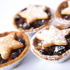 Paleo Mince Pies - Gluten Free, Grain Free Ingredients: Mincemeat: 100g of raisins 100g of cranberries 100g of sultanas 1 apple 1 1/2 tsp of ground cinnamon 1/2 tsp of ground nutmeg 1/2 tsp ground ginger 2 oranges tsp of vanilla bean paste/extract Mince Pie Cups: 250g of almond flour 2 tbsp of coconut sugar 2 tbsp of coconut oil 1egg