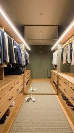 Wardrobe Room, Wardrobe Design Bedroom, Master Bedroom Interior, Master Bedroom Closet, Room Design Bedroom, Bedroom Furniture Design, Home Room Design, Home Interior Design, Bedroom Closets