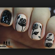 Teen Nail Art Ideas for 2017 / 2018 - Reny styles Teen Nail Art, Teen Nails, Fall Nail Art Designs, Pretty Nail Designs, Rose Nails, Flower Nails, Gorgeous Nails, Pretty Nails, Nail Design Rosa