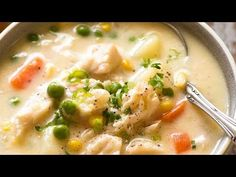 Fish Chowder is such a great easy fish recipe that's outrageously delicious! A creamy white fish soup with potatoes, carrots, corn and peas that's very simple to make. Fish Chowder, Chowder Soup, Fish Soup, Chowder Recipes, Soup Recipes, Cooking Recipes, Healthy Recipes, Cooking Videos, Seafood Bisque Recipe Easy