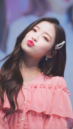 Arin Oh My Girl, Girls Season, Kpop Outfits, Kpop Fashion, Celebs, Celebrities, Boyfriend Material, Female Characters, Kpop Girls