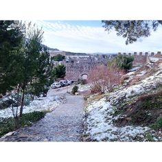 by @lola_tf #montblancmedieval #Tarragona #Montblanc #Catalunya #Cataluña #Catalonia #Catalogne #turisme #tourisme #turismo #tourism #trip #travel #viatjar #viatge #viajar #viaje #RTW #TravelAddict #vacances #vacaciones #holidays #slowlife #Paisaje #camino #paysage #route #landscape #road #Natura #Nature #mountain #muntanyes #montañas #neu #nieve #snow #neige