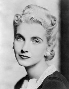 Barbara Hutton, 1939