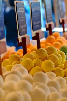 Bath bombs display suggestions.  Beautiful baskets overflowing with bath bombs
