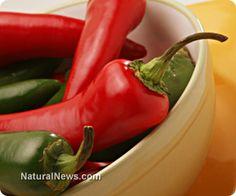 (NaturalNews) Хроничното възпаление е в основата на повечето болести. Рак, ревматоиден артрит, затлъстяване, болестта на Алцхаймер, Паркинсон, сърдечносъдови проблеми и пародонтални проблеми, всички тези са повлияни от свръхактивна възпалителна реакция. За щастие, ние имаме мощен съюзник срещу възпалението, който пребивава в нашата кухня. Чрез избрани храни и диетични промени можем да покорим този непокорен звяр…