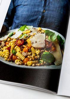 @dinettemagazine   Dînette Magazine offre une nouvelle vision de l'alimentation et de la gastronomie. Chaque mois, notre équipe de collaborateurs part à la rencontre de gens passionnés de cuisine.